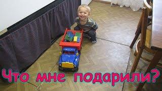 Д.р. Бори. Ему 2 года. Дарим подарки. (10.19г.) Семья Бровченко.