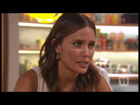 [Neighbours] 7767 Amy & Elly Scene