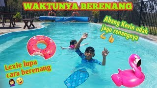 WEEKEND SERU: BERENANG|| EMAK MENGAWASI ANAK-ANAK BERENANG|| HOT DAY MEANS POOL TIME