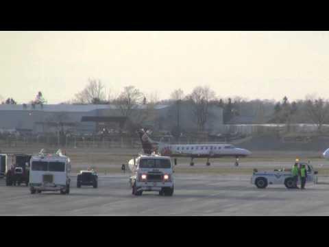 West Jet Landing and Take Off Breslau Ontario