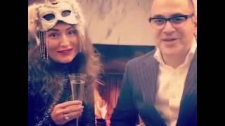 Мартиросян с женой поздравляет  всех с Новым годом