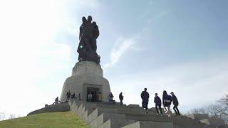 Торжества, посвященные Дню Победы, прошли по всему миру.