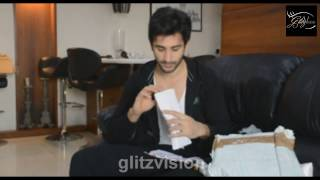 Sidhant Gupta receives gifts from fans. PART 1