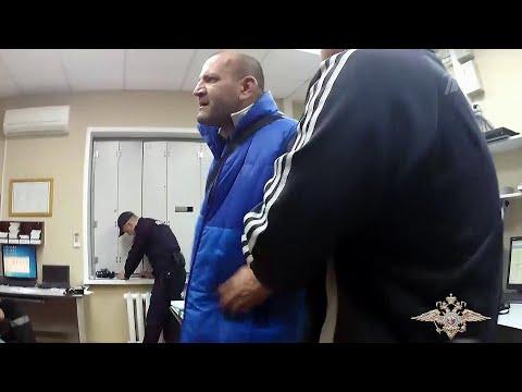 В новосибирском аэропорту Толмачево сняли с рейса двух пьяных пассажиров.