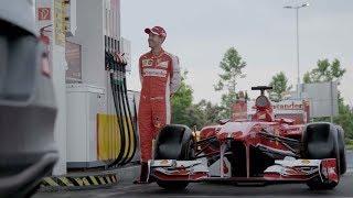 Феттель подрабатывает на заправке. Пранк | Sebastian Vettel Ferrari Prank