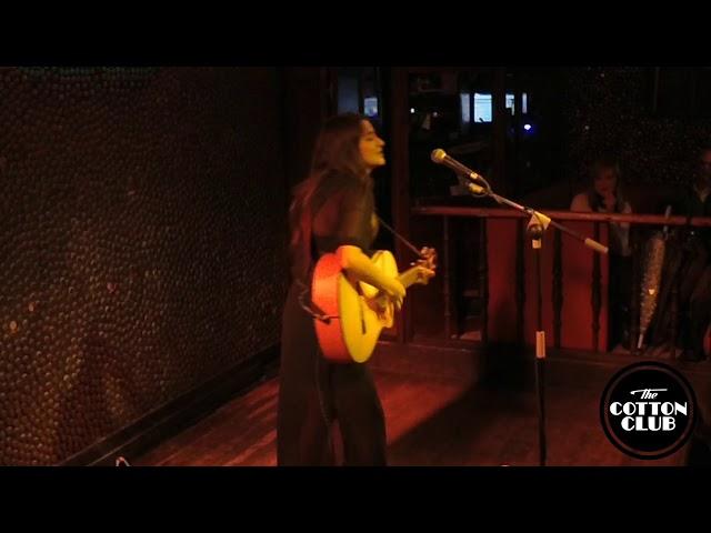 Georgina en directo en Cotton Club Bilbao  Bésame