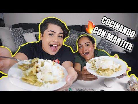 COCINANDO CON MARTITA: Mexican Chilaquiles! + MUKBANG! (cooking & eating show)