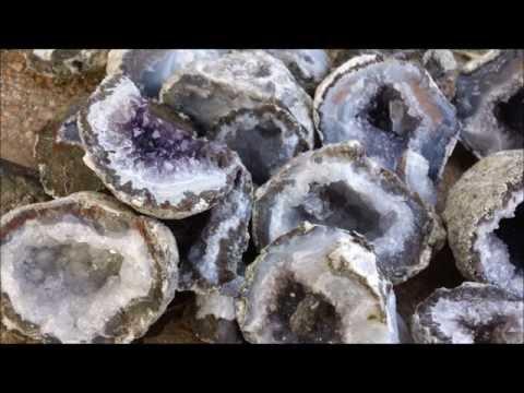 Cracking open Geodes