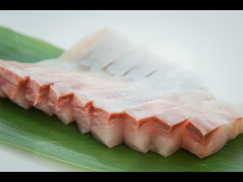 How to Cut Kampachi Sashimi - YouTube