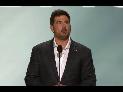 """Lone Survivor"" Marcus Luttrell Gives AMAZING Speech ..."