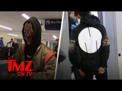 Jaden Smith Blasting Music At The Airport! | TMZ TV