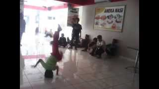 The Little King Dance Crew ( Little Bboy Rici ),