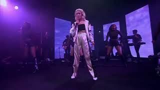 "Zara Larsson ""Symphony"" Live at Volkswagen Garage Sound Concert 2018"