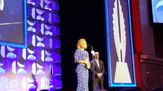 Kelly Ripa Gives Inspiring Speech at 2015 GLAAD Media Awards