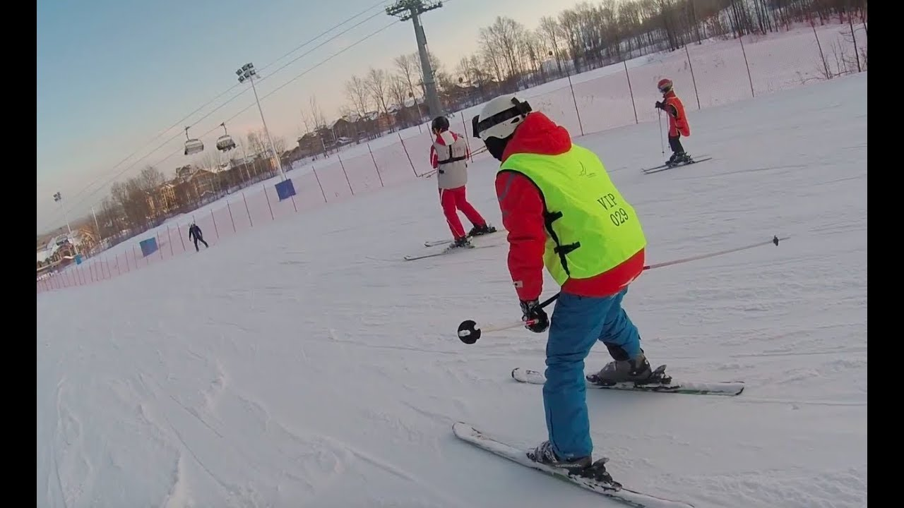 中國滑雪會上癮-長白山萬達滑雪場【可樂旅遊】 - YouTube