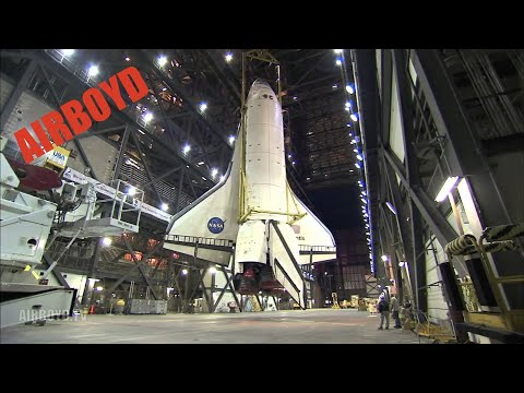 Shuttle Atlantis Lift And Mate (2009)