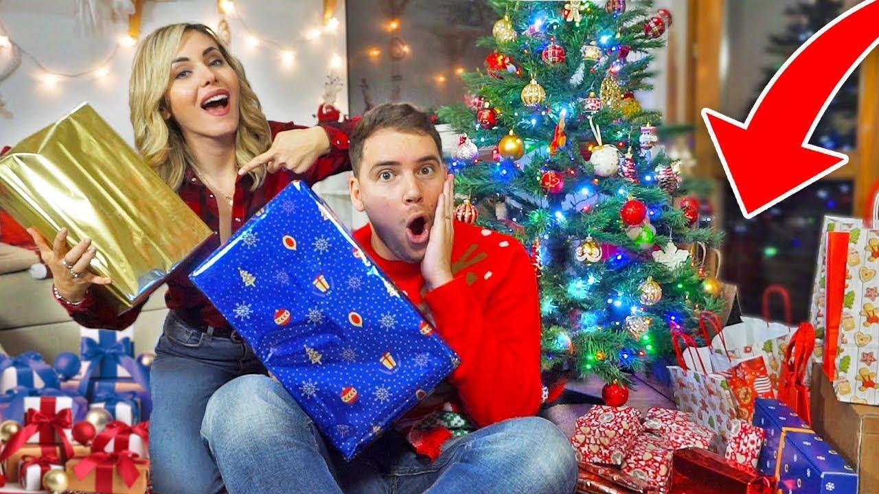 Apriamo I Regali Di Natale.Apriamo I Regali Di Natale In Anticipo Youtube