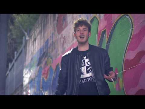 Oxy - Un istante (OFFICIAL STREET VIDEO)