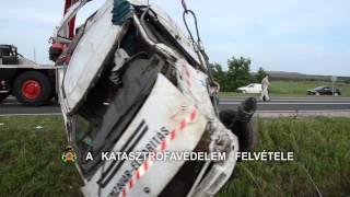 Két ember meghalt az M2-es autóúton történt balesetben