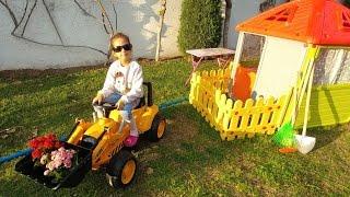 Новый трактор в саду,играем.Видео для детей.Игра для детей.