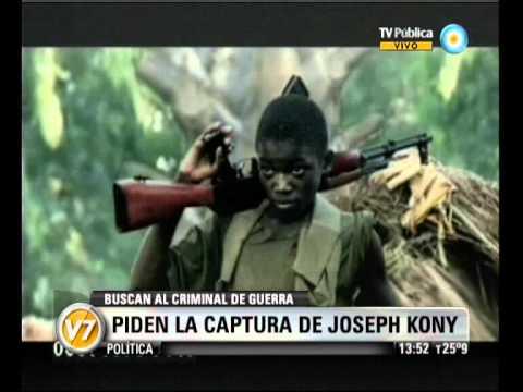 """Visión Siete: Uganda: Piden la captura del criminal de guerra Joseph Kony """"Vivo o muerto"""""""