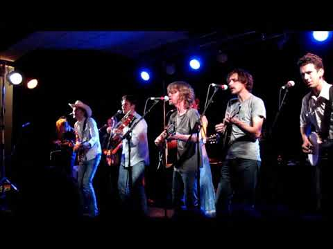 WAGON WHEEL OLD CROW MEDICINE SHOW WITH DAVID RAWLINGS AND GILLIAN WELCH LIVE IN LEEDS UK