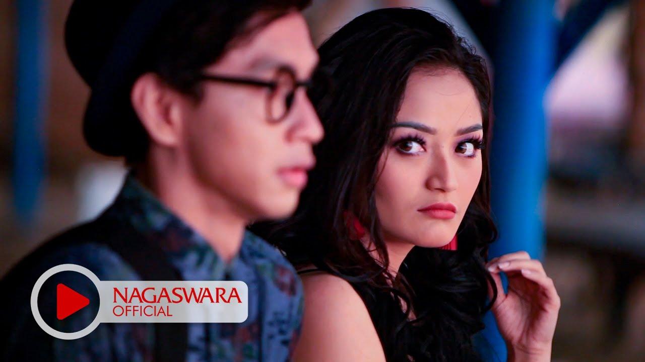 Siti Badriah - Ketemu Mantan (Official Music Video NAGASWARA ...