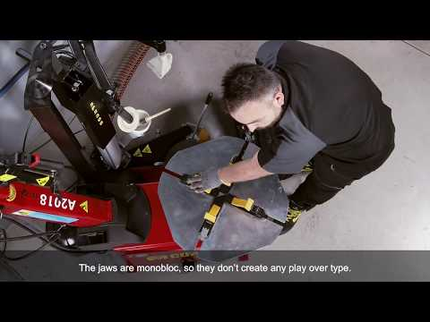 CORGHI - LIGHT TYRE CHANGER - DEMO VIDEO (English Subtitled)