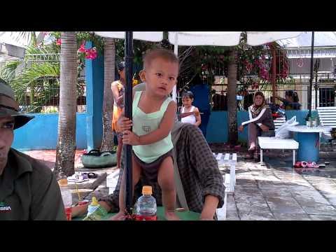 Liburan sekolah di tempat permandian Agro Wisata Kota Palopo, Sulawesi Selatan