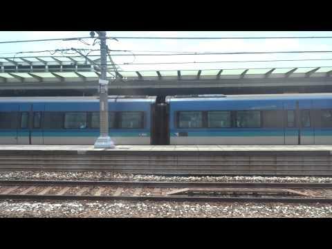 ***港鐵 AEL CAF-Train K404/E104 於欣澳站二台等候前進訊號