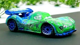 Carla Veloso Crash & Repair! Disney Cars Toys Video for Kids