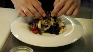 """Мастер-класс: Как приготовить """"Лионский салат с телятиной и яйцом пашот""""?"""