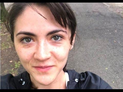 empieza la acción sutil Descendencia  Isabelle Fuhrman - #breaking2 Monza event - YouTube