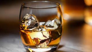 Popular Bourbon Brands Raฑked Worst To Best