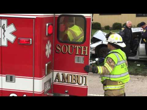 Graphic Near Fatal DUI Related Crash in South Elgin, IL W/ Jaws Of Life - WARNING