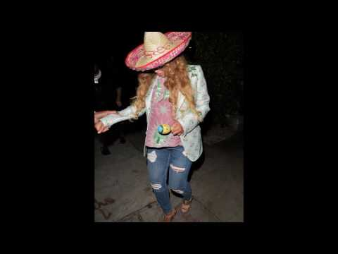 Beyonce Celebrates Cinco de Mayo With Kelly Rowland -- See Their Festive Looks!