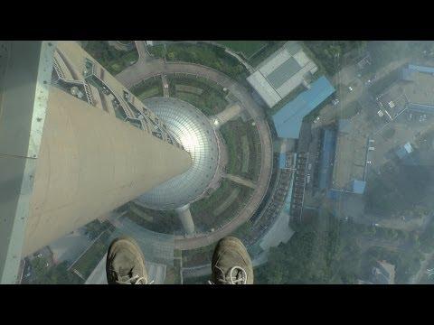 Oriental Pearl Tower - Glass Floor Walk