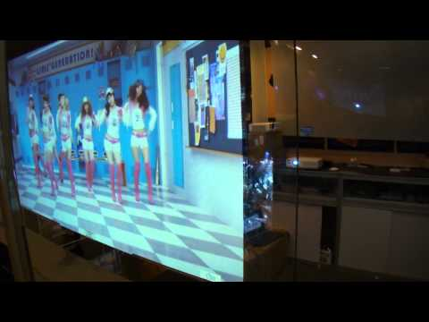 3G Switchable Film Turns a Glass to TV in a Minute. 3G调光膜成为广交会明星