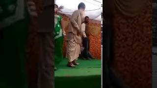 New 27 punjabi baba bhangra on stage   whatsapp most viral funny india video   2016