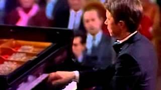 Beethoven - Concerto No. 3 in c-moll (Mikhail Pletnev)