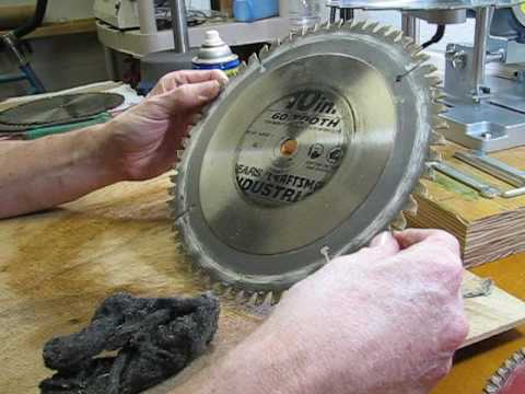 Cleaning Saw Blades Before Using the Harbor Freight Circular Saw Sharpener
