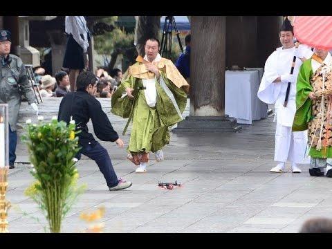 【悪魔のドローン落下映像】善光寺イベントでテロ行為!騒然となる瞬間