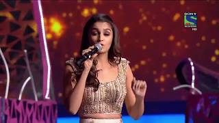 Alia Bhatt  Performance at Filmfare 2016