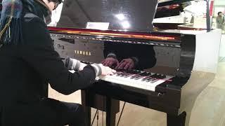 こんにちは。あすくんです。 浜松のコンコースにあるピアノで「春よ来い...