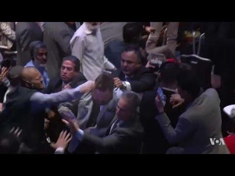 شاهد: صراخ وعراك أثناء خطاب لأردوغان في نيويورك ومحتجون ينعتونه بالإرهابي  - نشر قبل 5 ساعة