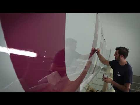 Painting the first Airbus A350-1000 with the Qatar Airways livery