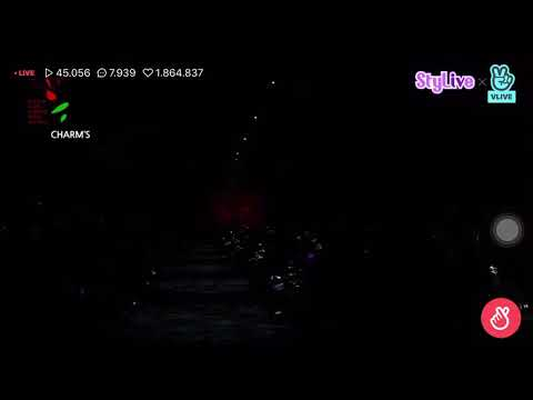 "KEY (SHINee) - ""CHEMICALS"" performance at HERA SEOUL FASHION WEEK"