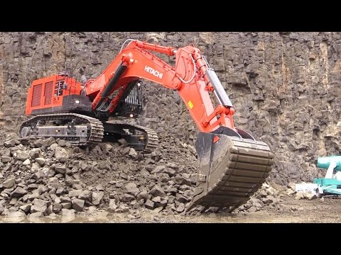 Hitachi Zaxis 870LCH-5 Excavator @ Steinexpo 2014