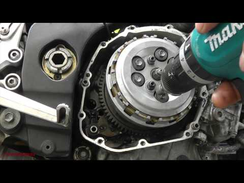 CLUTCH CHANGE SUZUKI GSXR 1000K5  ( PART 1)