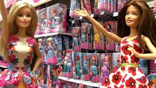 TOY HUNT with Barbie and Teresa !  lots of toys